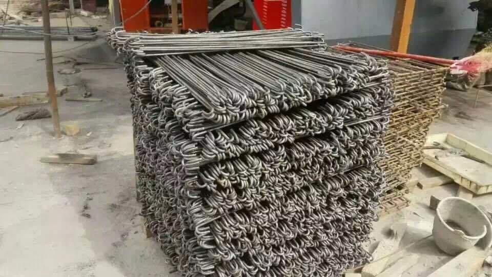 Piegatrice a filo CNC