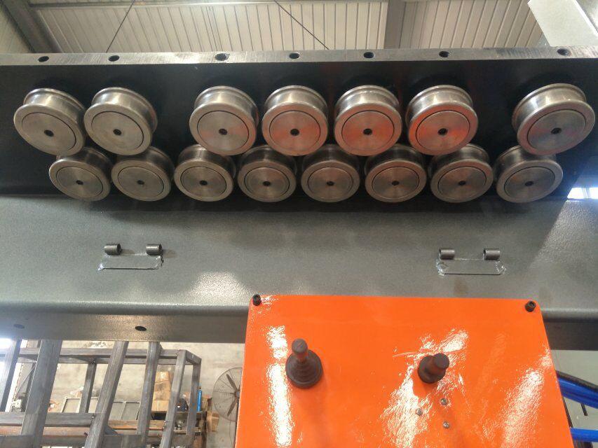 piegatrice per barre in acciaio cnc